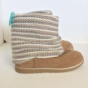 NWOT SO Klara Sweater Boots Taupe Girls Sz 3
